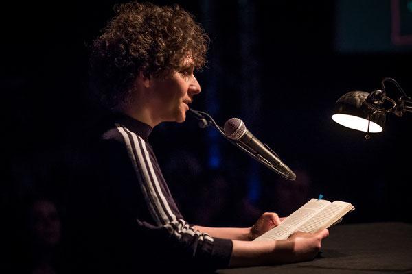 Sasha Marianna Salzmann (Foto: Gordon Timpen)