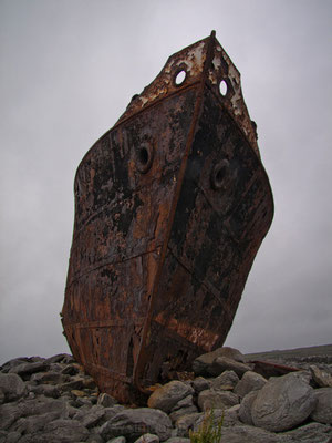 MV Plassy, Inisheer, Aran Islands, Irland.