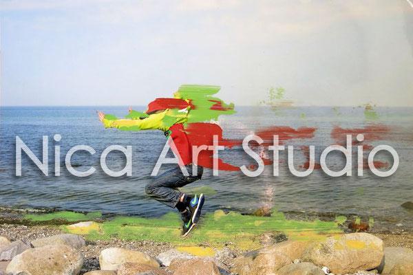 Jump, 2014, 30 x 20 cm, Fotografie mit Öllfarbe