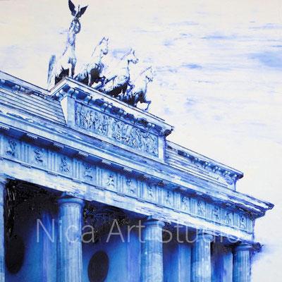 B54, Berlin in blau, 2017, 20 x 20 cm, Fotografie mit Ölfarbe