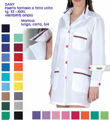 DANY casacca con bottoni e colletto a camicia. Manica lunga o corta. Vestibilità morbida. Colori a Tua scelta