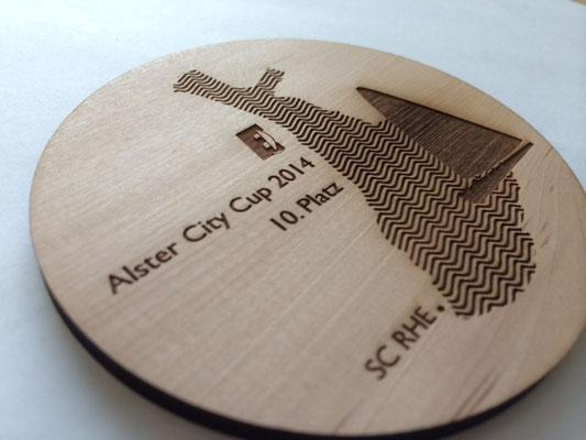 Alster City Cup: lasergravierter Holzuntersetzter