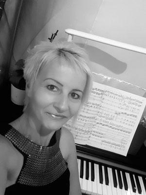 Fani Bartzioka, Klavierlehrerin in München-Ramersdorf