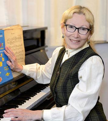 Klara Livshina, Klavierlehrerin in München-Blumenau, Fürstenried-West, Laim