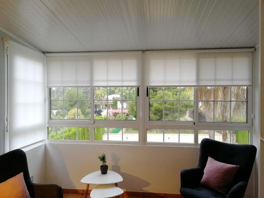 Cerramiento de aluminio, detalle ventanas correderas frontales.