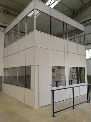 Mampara de oficina de dos alturas, techo desmontable y suelo laminado 12