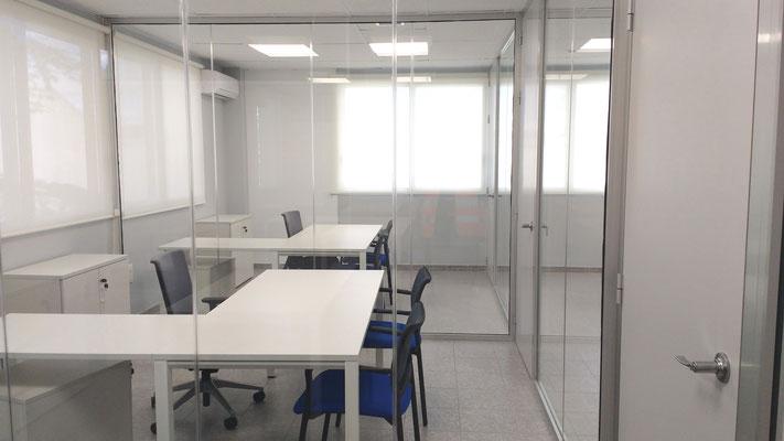 Despachos de cristal, con mamparas de oficina todo cristal