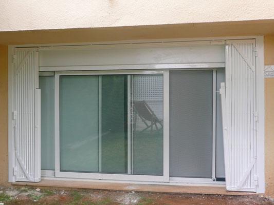 Reja de seguridad puertas abatibles cerradas