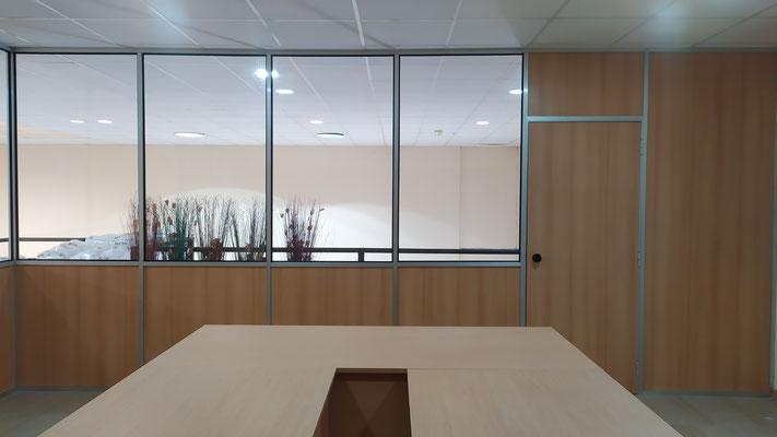 Mampara sencilla, madera y cristal hasta el techo 5