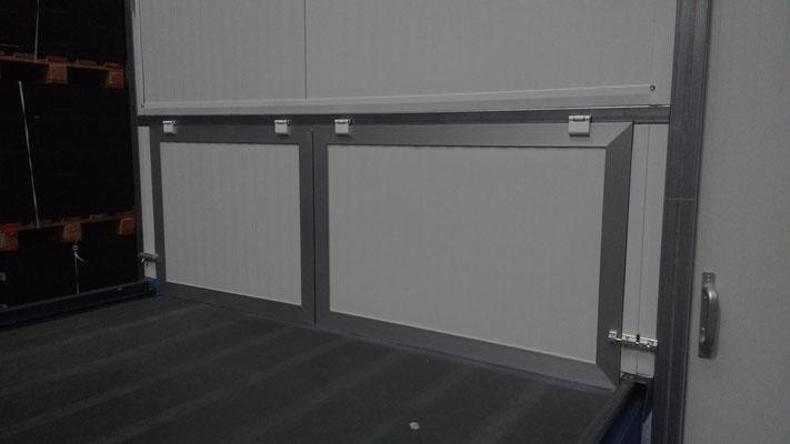 Puertas en panel sandwich con marco de aluminio 02