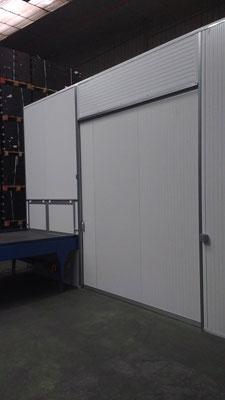 Puerta corredera y division en panel sandwich blanco