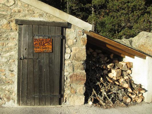 la réserve de bois bien garnie