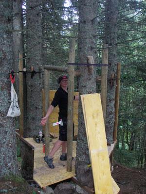 Sara, la reine des toilettes sèches arboricoles