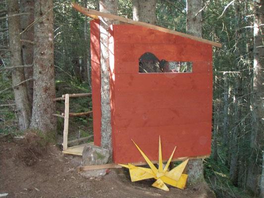 Les toilettes sèches suspendues