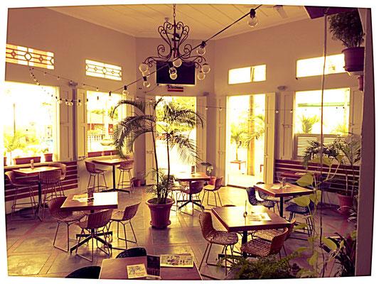 Im kolonial anmutenden Restaurant Fitzcarraldo, wurden uns leckere regionale Spezialitäten serviert.... diesmal ohne gegrillte Würmer ;)