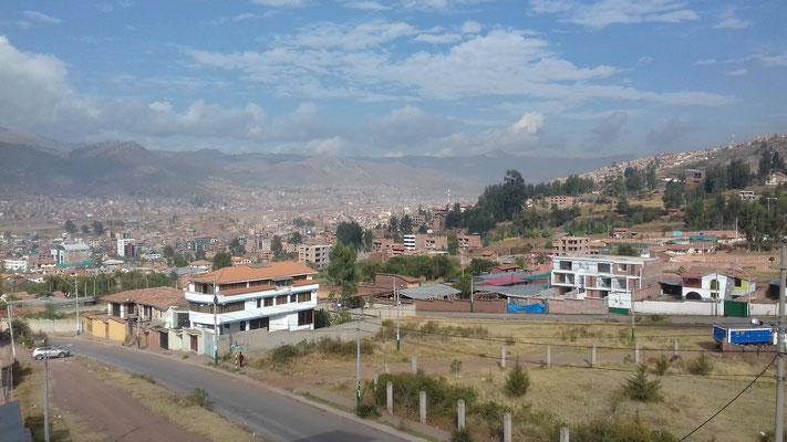 Hier wohne ich also, im etwas ländlicheren Larapa, einem Stadtteil ca. 30-40 Min. vom Zentrum Cuzcos entfernt