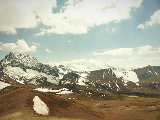 Vom höchsten Punkt hat man einen wunderbaren Blick auf den 6384m hohen Ausangate