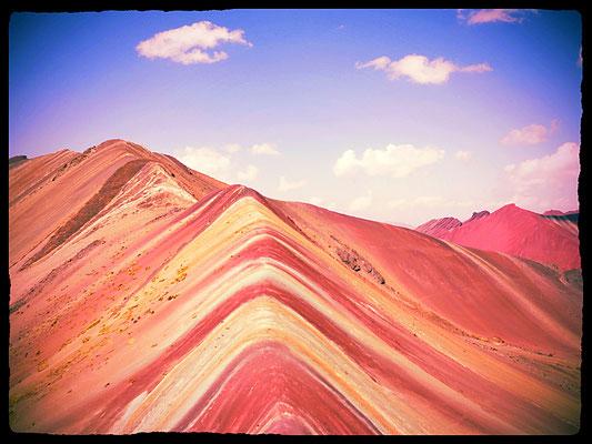 Das Regenbogengebirge von Vinicunca ist in Wirklichkeit so schön wie es immer dargestellt wird