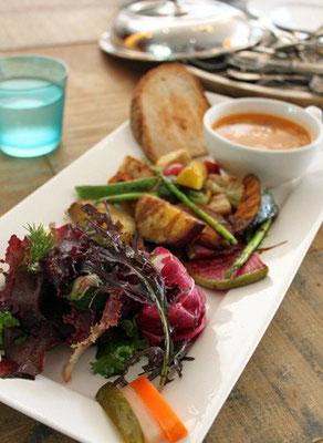 野菜を最もおいしく食べられるように調理されてます。皮までおいしい。