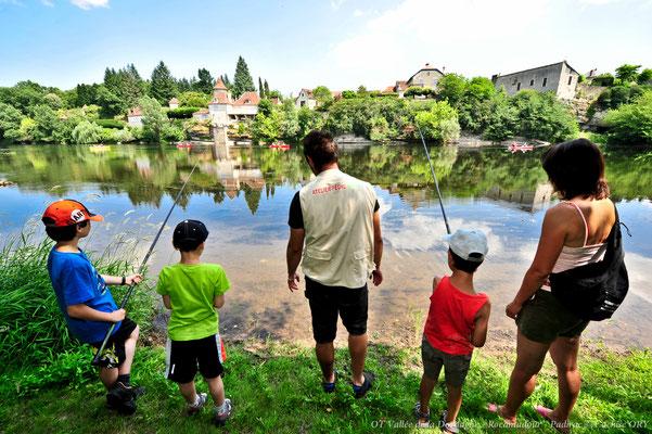Pêche en famille au bord de la Dordogne