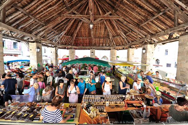 marché sous la halle de Martel