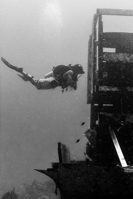 Exploring an underwater wreck