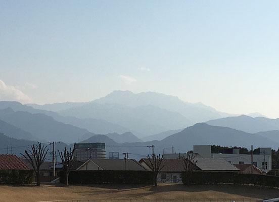 試合後、石鎚山を望む