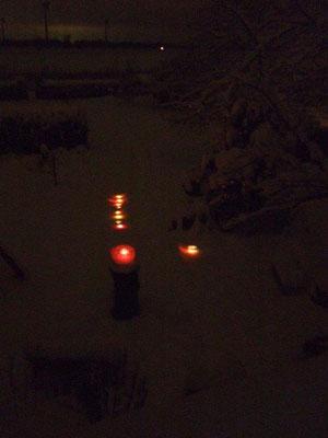 finnische Windlichter im Dunkeln
