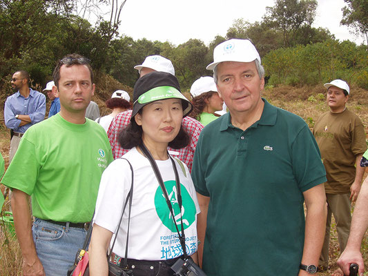 Dr. Claus Topher, Executive Director of UNEP and Tomoko Yano, Secretary General of FGPE