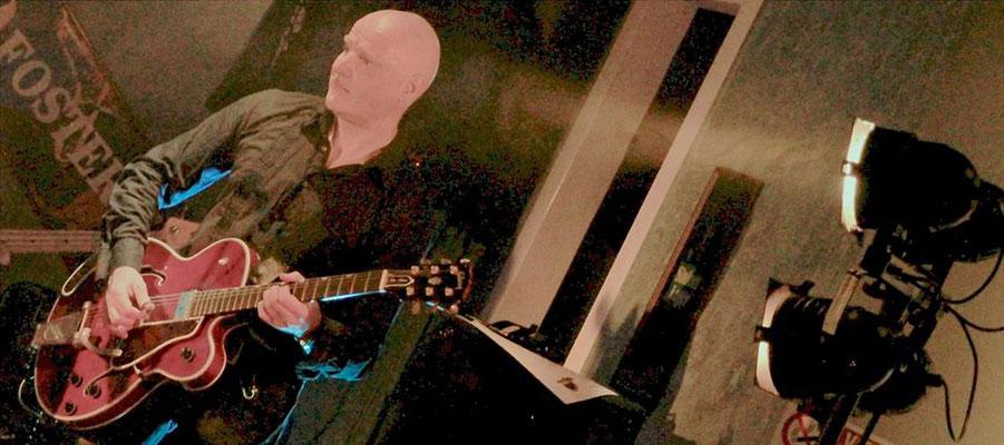 Músico y guitarrista Miki Pannell