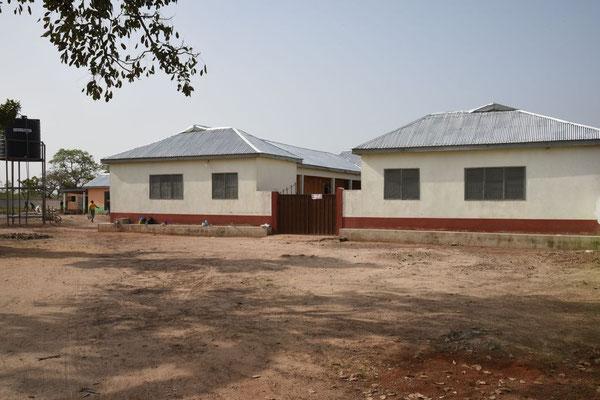Das neue Mädchenwohnheim der Junior High School