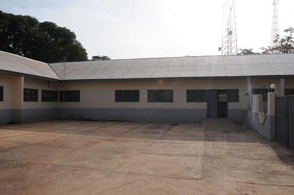 Die Sankt Joseph`s Clinik in Chamba von aussen