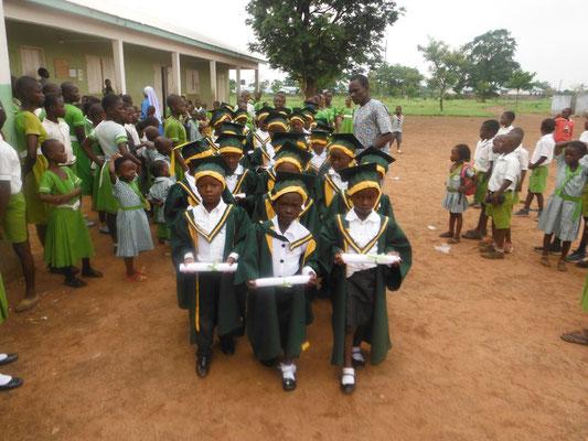 Die stolzen Kindergarten-Absolventen