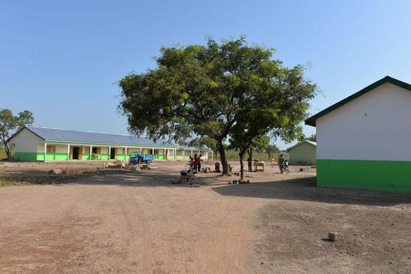 Der Bischof Vincent Kindergarten und die Primary School am Schulzentrum von Pfarrer Josef Renner