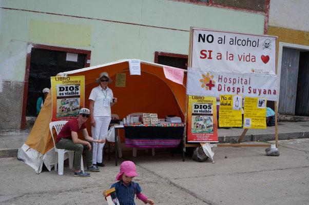 "Stand zum Thema ""Nein zum Alkohol – Ja zum Leben""."