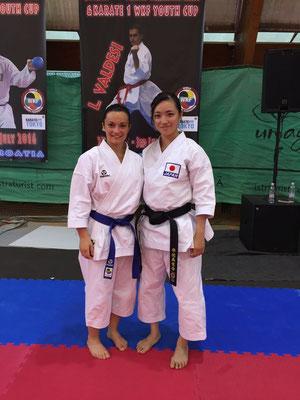 Jennifer con Rika Usami - 2016 WKF Umag
