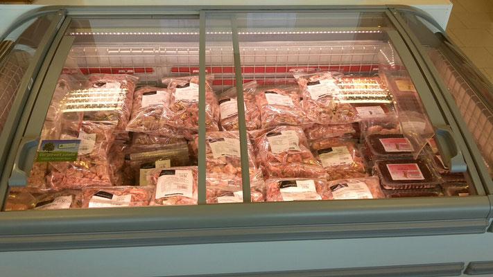 BARF: Mischungen für Einsteiger, Fleisch-Innereien-Mischungen, Innereien-Mischungen und viele Einzelkomponenten für eingesessene BARFer in hoher Qualität! Rind, Wild, Lamm, Lachs, Huhn, Pferd, Kaninchen, Pute usw.