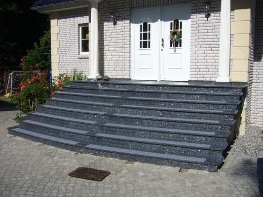 treppen im au en und innenbereich aus naturstein der steinmetz 24. Black Bedroom Furniture Sets. Home Design Ideas