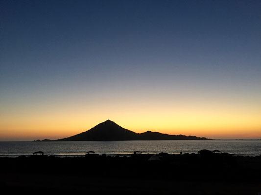Eine Insel mit zwei Bergen...