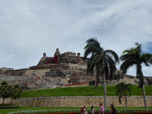 Die trutzige Burg Castillo de San Felipe de Barajas. Die größte, de die Spanier auf dem amerikanischen Kontinent errichtet haben.