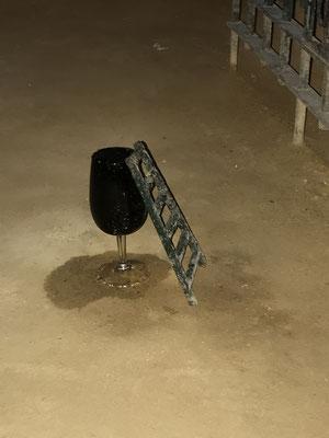 Mit diesem Trick soll verhindert werden, dass die Mäuse die Sherry-Fässer annagen