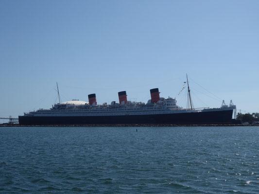 The Queen Mary: Hotelschiff und Touristenattraktion (zwischenzeitlich seeuntüchtig)
