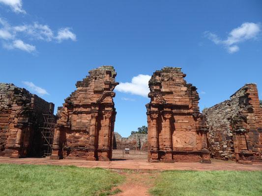 Reste der Kirche