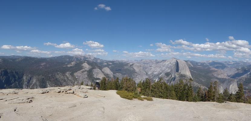 Panoramablick vom Sentinel Dome auf den Half Dome