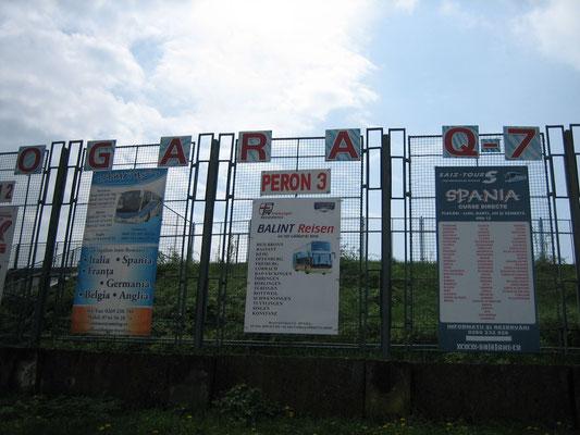 Busbahnhof: von hier geht es nach D, A und E