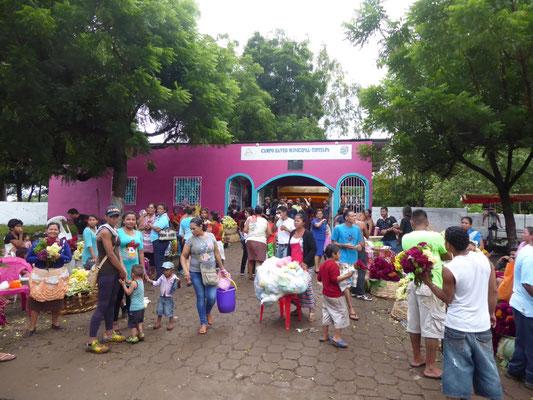 Auch in Nicaragua ist Allerheiligen bzw. Allerseelen ein großes Fest auf dem Friedhof
