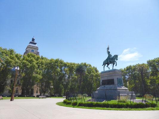 Auch in Rosario darf die Plaza San Martín nicht fehlen