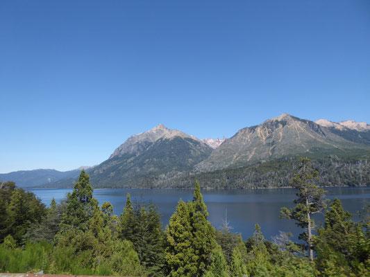 Erste Blicke auf unseren Camping-See