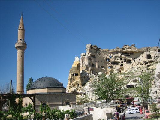 Alte Behausungen, neue Moschee