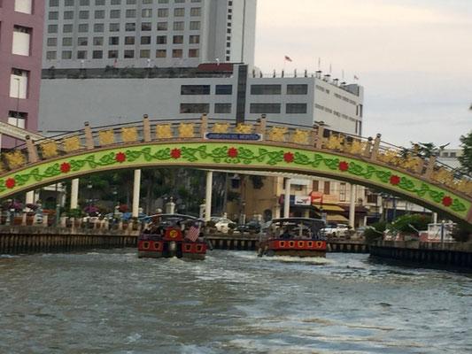 Bötlesfahrt auf dem Melaka River